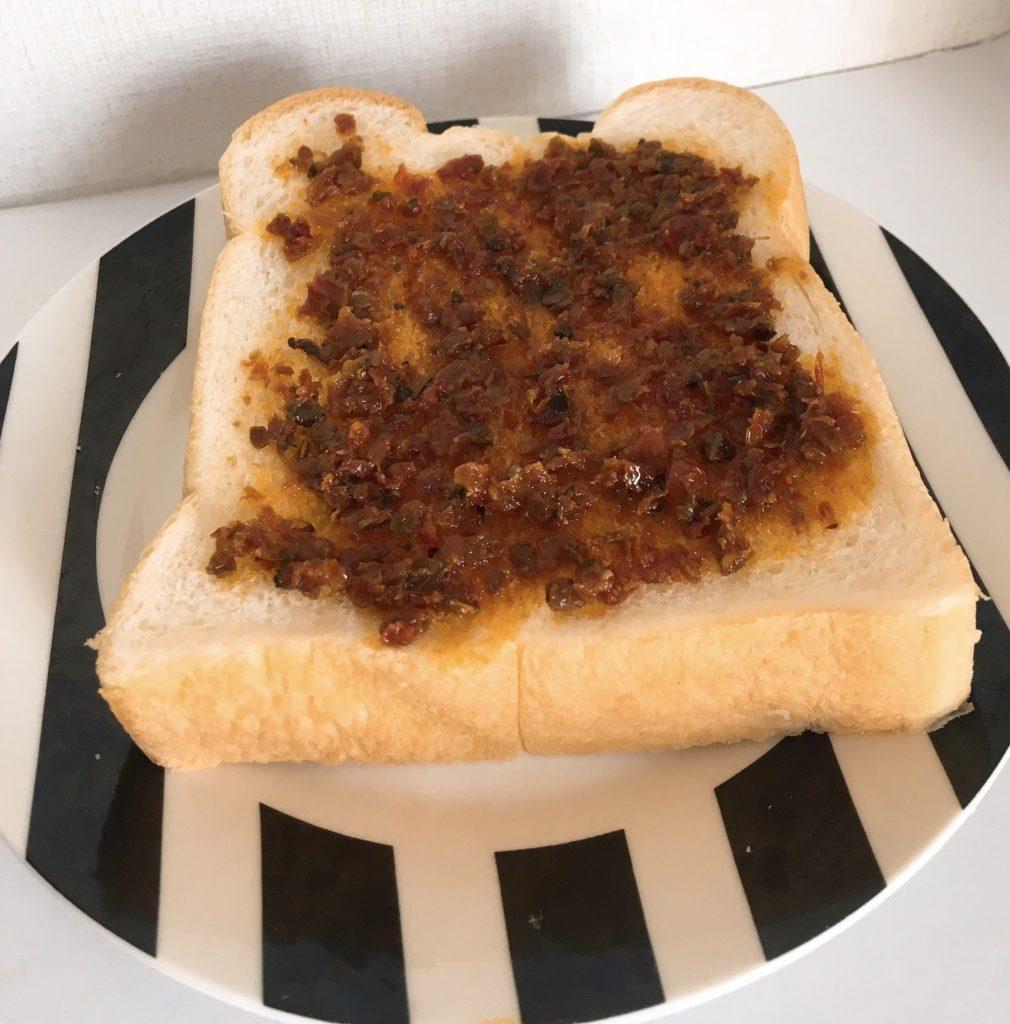 トマトスプレッドパン