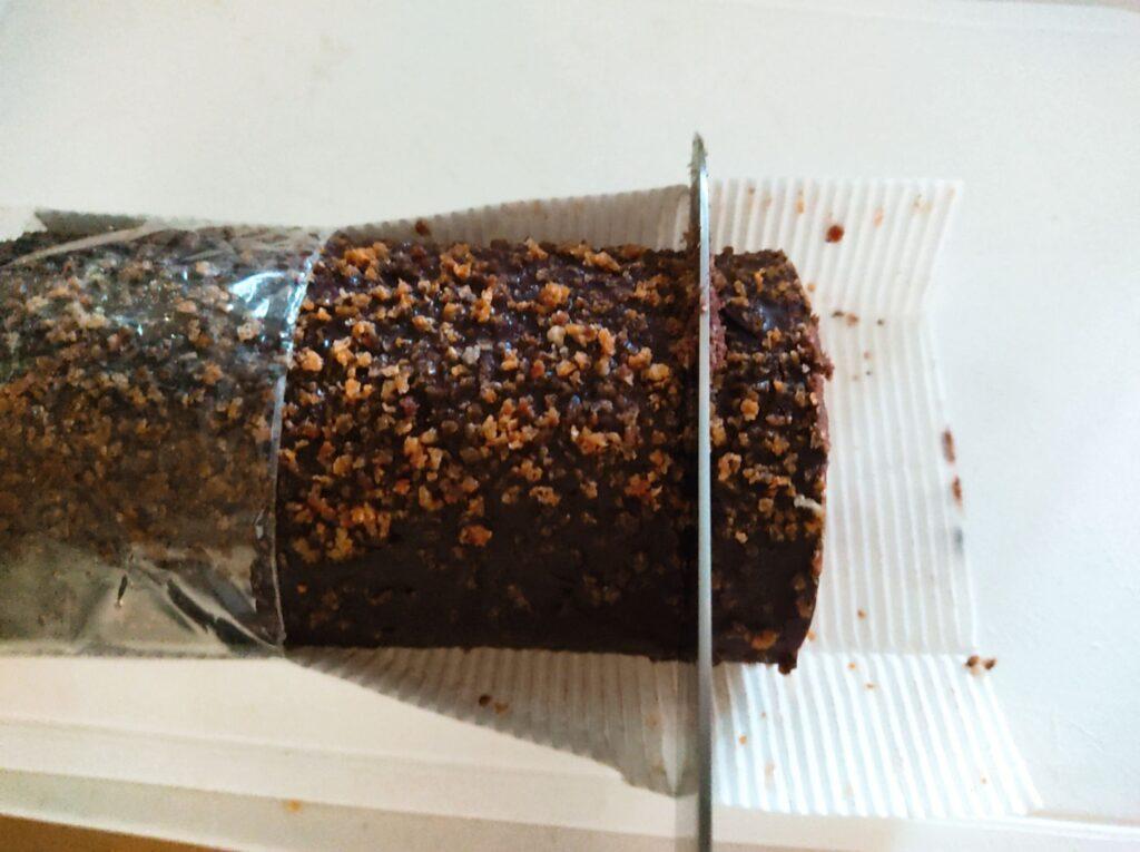 スイスロールケーキ カット