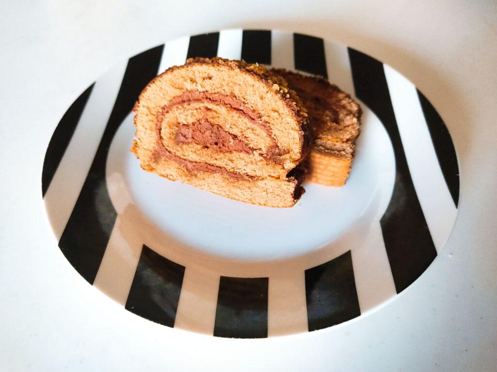 スイスロールケーキ断面図