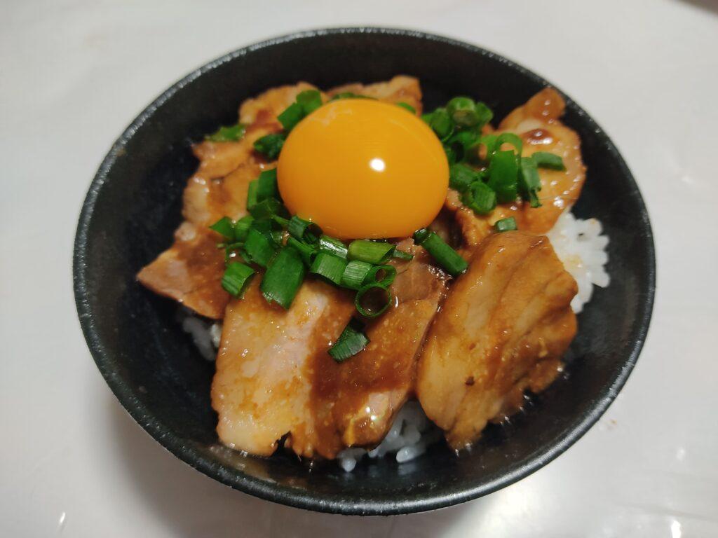 やわらか味噌煮丼